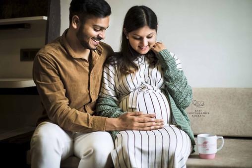 indoor-maternity-photoshoot.jpg