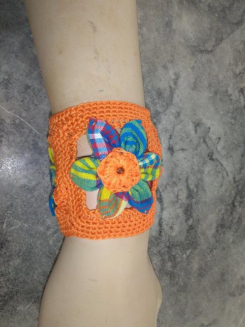 Bracelet crochet et fleurs en tissu madras
