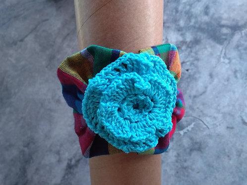 Bracelet crochet avec son motif en madras