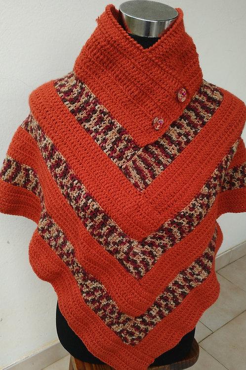 Poncho à col couleur rouille création au crochet