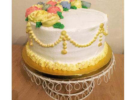 Buttercream rose arrangement   cake