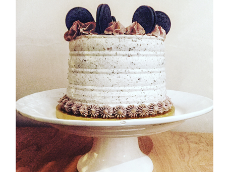 Chocolate Cake with Oreos Buttercream