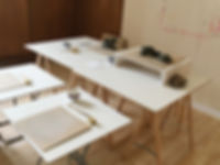 Atelier mein sein_ton tische.jpg