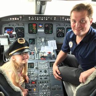 2017 On Flight Deck with Evangelina