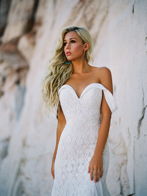 Wilderly Cammi strapless off the shoulder lace boho