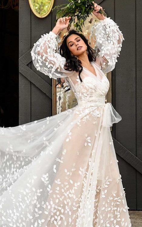 Neve All Who Wander Bridal Studio Jacket