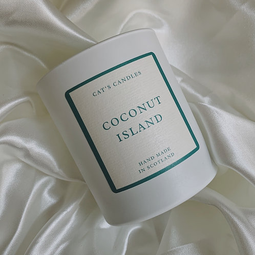 Coconut Island Matt White Candle