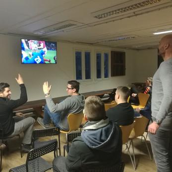Klubovna Pragy ožila při sledování Six Nations