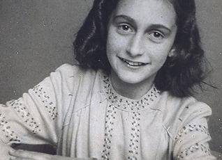 Foto oficial Anne Frank.jpg