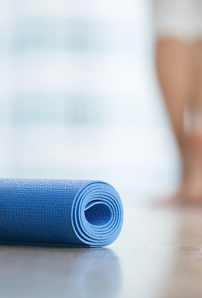 close-up-of-yoga-fitness-mat-81772597.jp