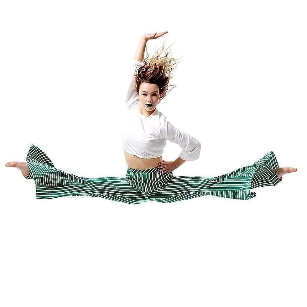 Ava splits green pants.jpg