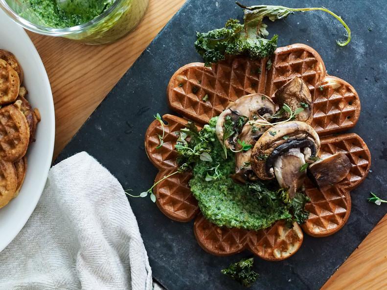 KIKHERNEVOHVELIT / Chickpea Waffles