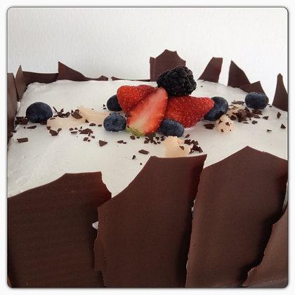 LYCHEE CHOCOLATE CAKE