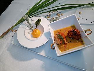 Erdnuss Suppe mit Mangochilieis kl.jpg
