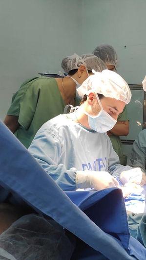 Guzman Ripoll cirugía plástica de mama abdominal lipoaspiracion botos toxina botulinica dysport dyslor montevideo uruguay