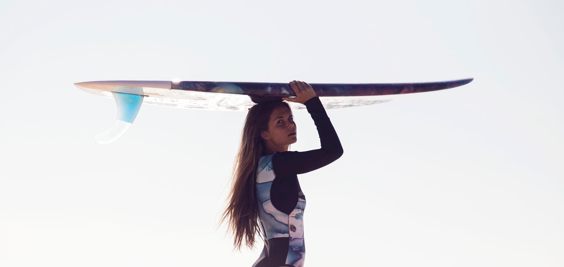 Collab Lorcolors x Akela surf / Surfboard lorcolorschappy / Crédit photo Guillaume Dupré