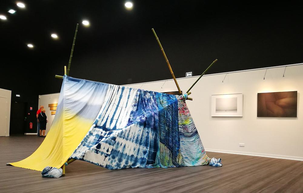 tente  Abri - textiles teintset bambous - laure marnas - no mans land 2018