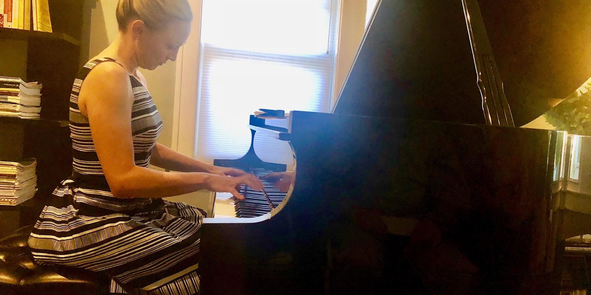 Kara Huber performing Gershwin