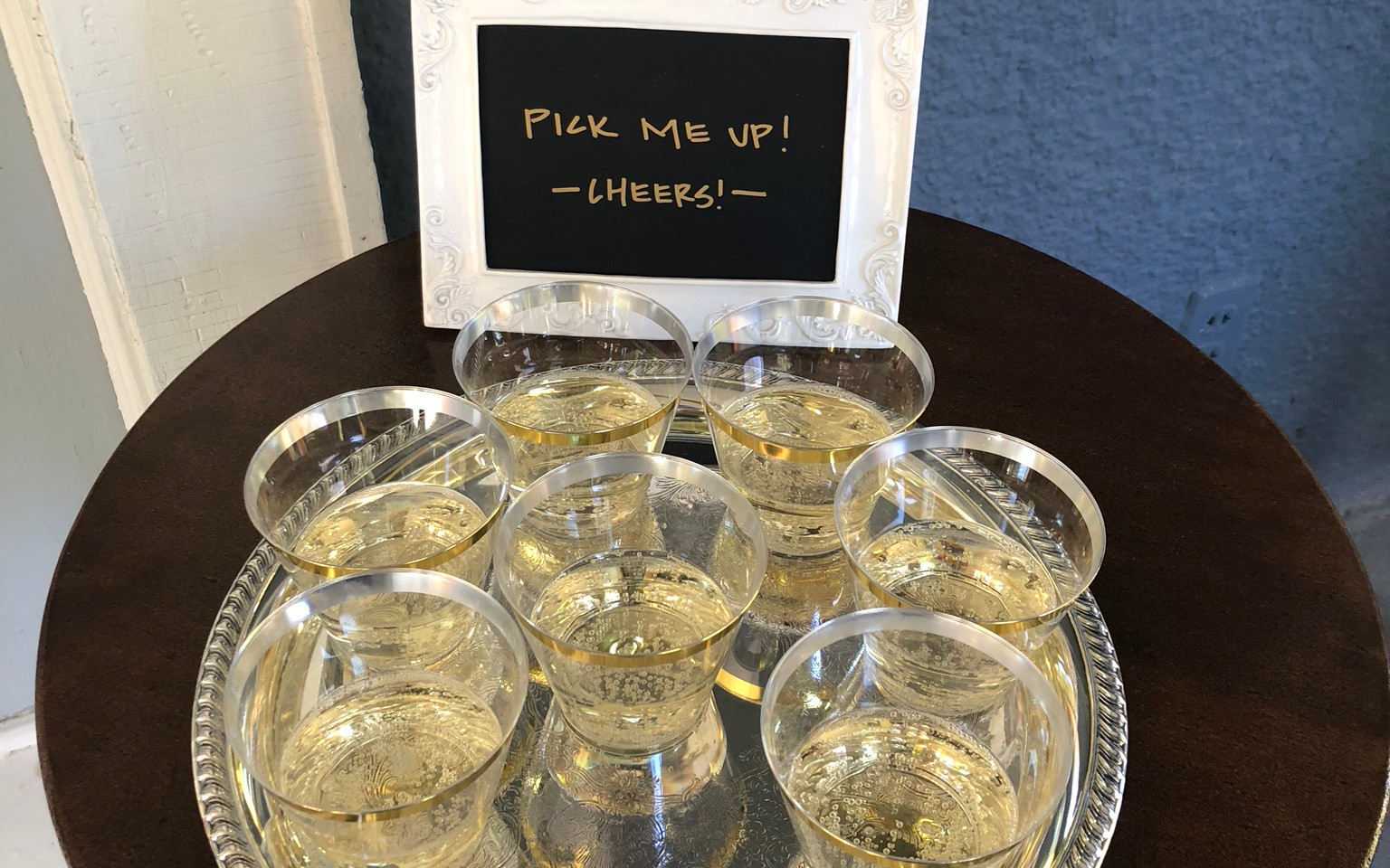 Complimentary champagne!
