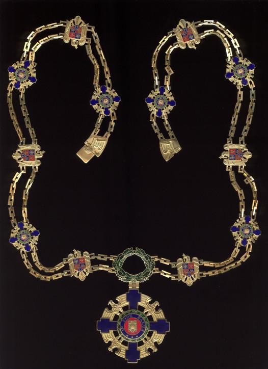 Star-of-Romania-Order-Collar.jpg