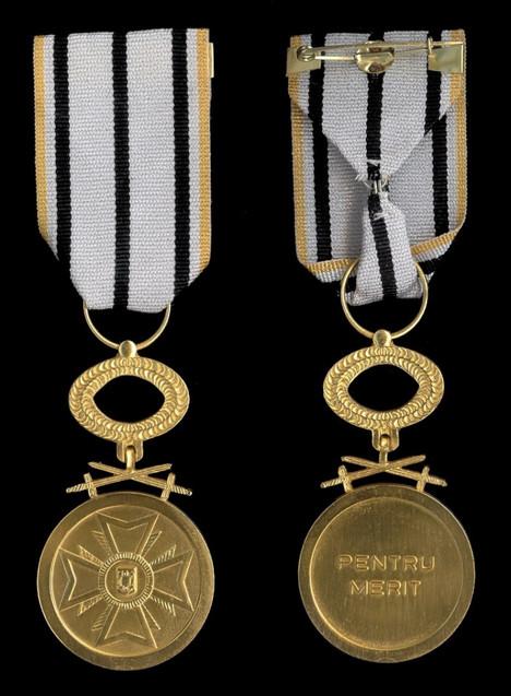 For-Merit-Medal-IstClass-militaries-War-