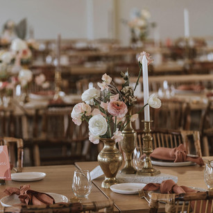 table setting flowers wedding reception