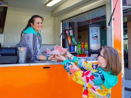 Food cart serves up hot sandwiches for baseball season
