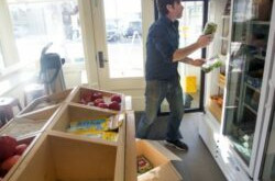 Local grocer rolling out a new food cart in Portland