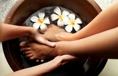 90 Minute Massage & Foot Soak