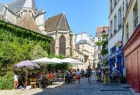 iStock-rue de Paris.jpg