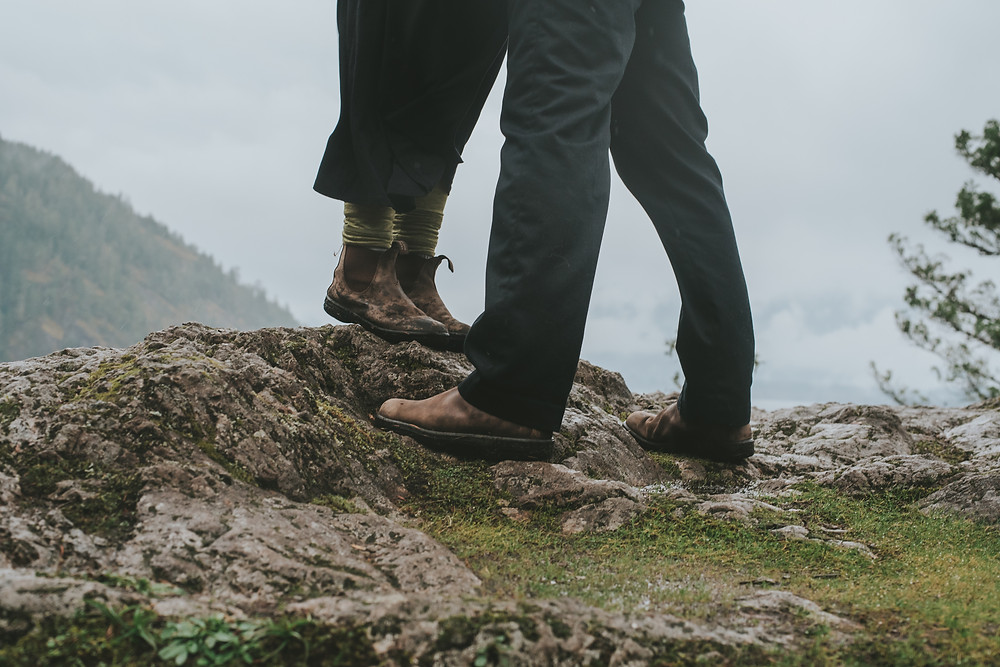 hiking engagement session
