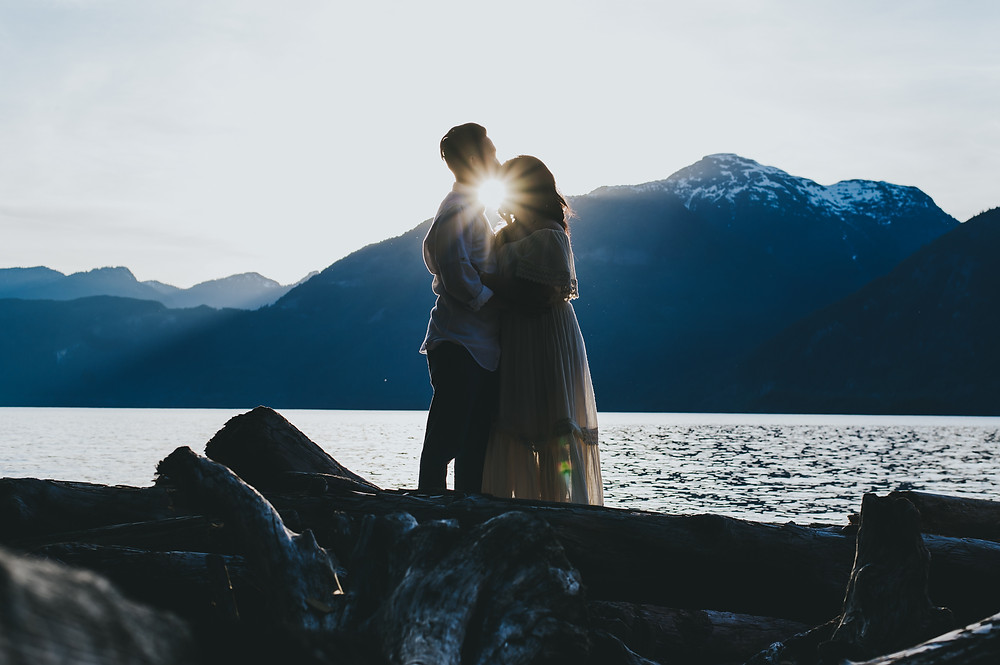 vancouver adventure engagement session