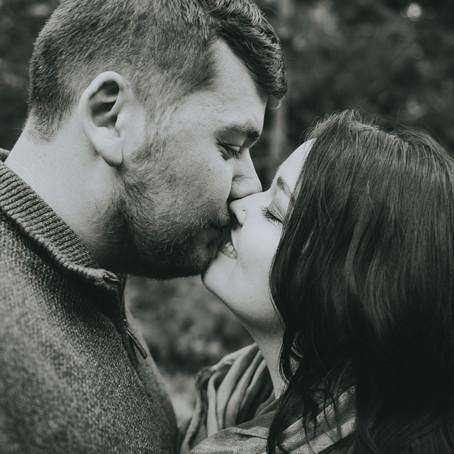 Alicia & Chris | Parksville Engagement Session