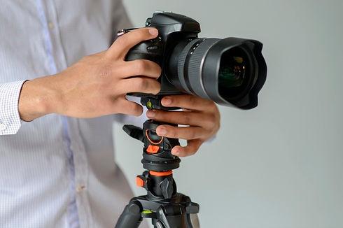close-up-photographer-with-camera_23-214