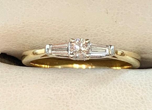 Yelow Gold Diamond Ring
