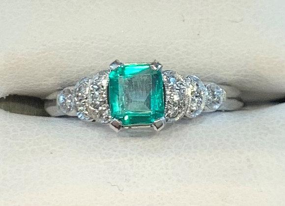 White Gold Emerald & Diamond Ring