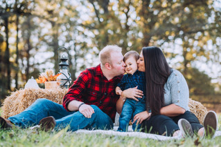 The Tucker Family {autumn mini sessions}