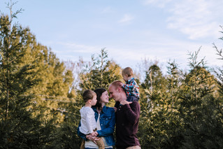 The Vinson Family {tree farm session}