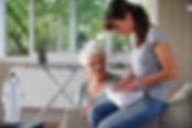 Gli operatori selezionati con cura dallaaiuterannoi clienti nelle pulizie di casa, nella spesa, nell'igiene personale e nell'assistenza.