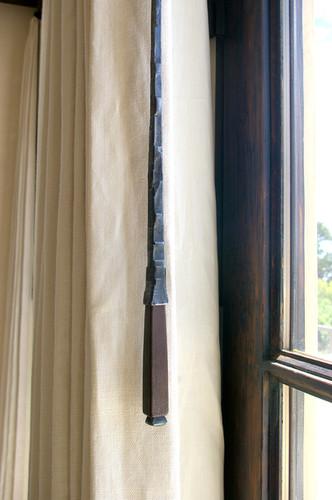 Curtain Pull