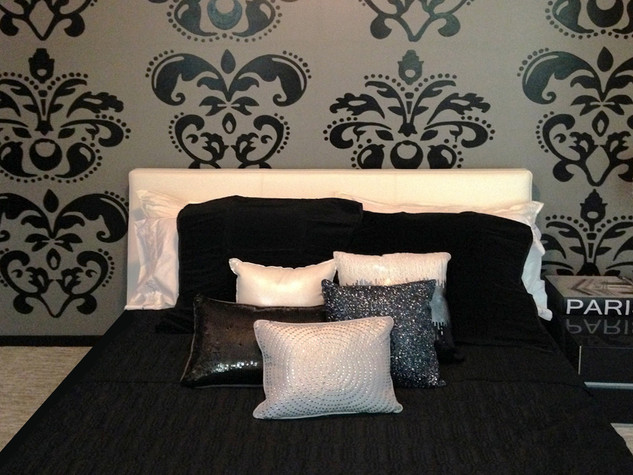 Damask Accent Mural