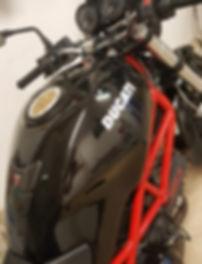 rénovation réservoir moto, peinture,