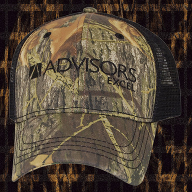 TRADITIONAL CAMO AND BLACK TRUCKER