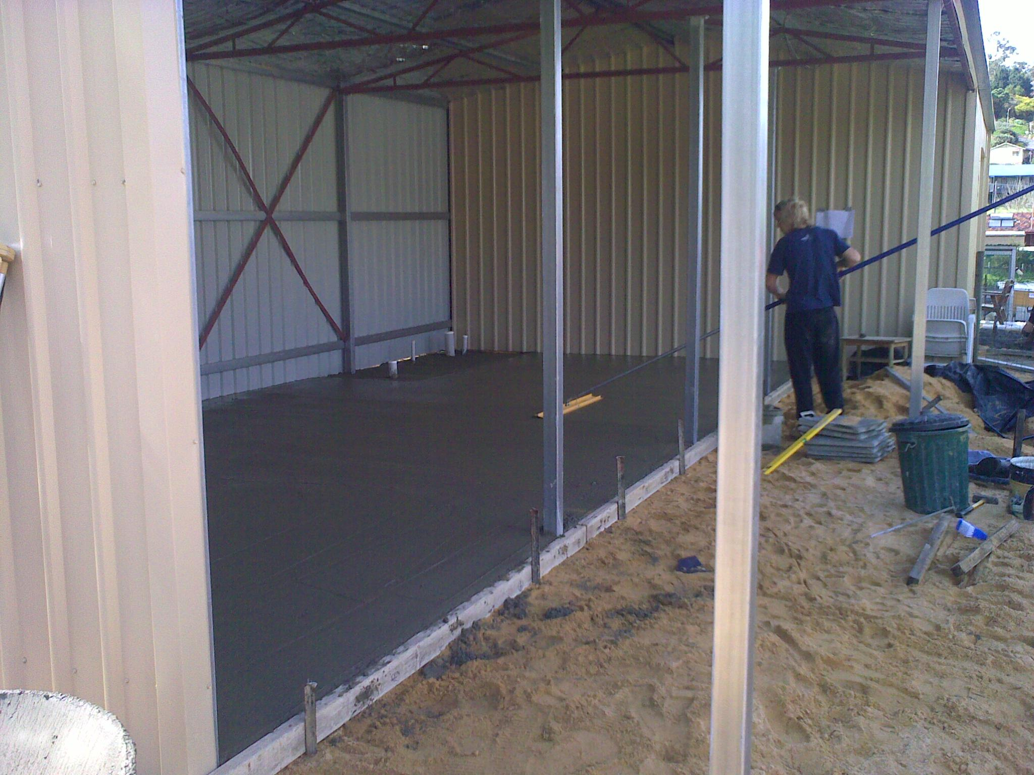 Concrete screeding