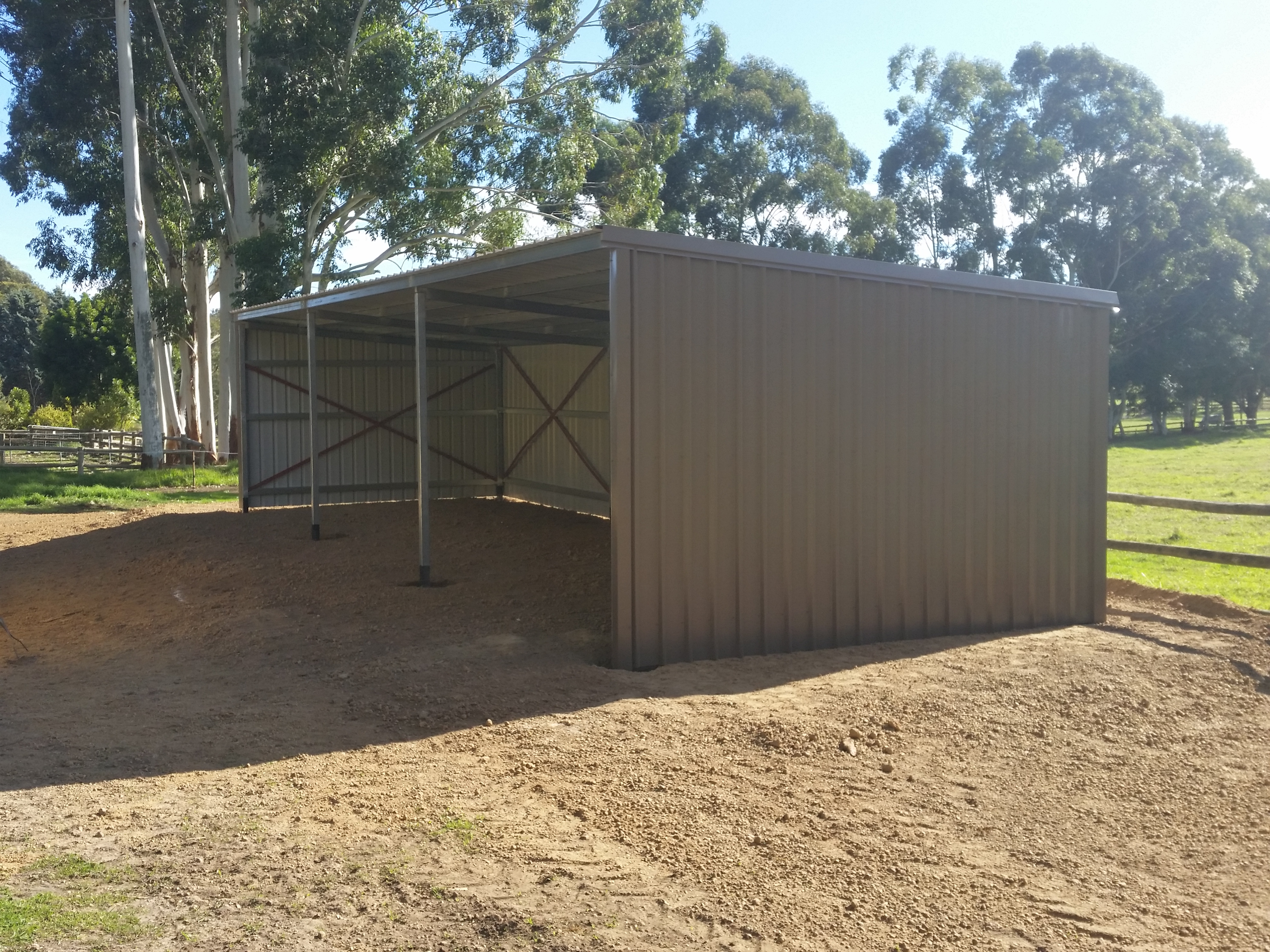Horse shelter 12x4x3