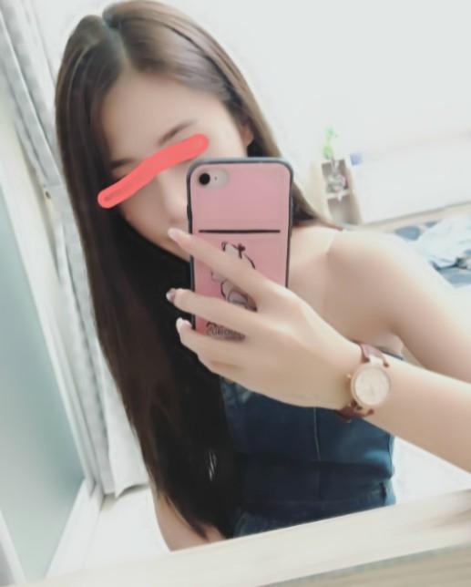 怡婷 164/C/23Y 精品專櫃小姐 5000