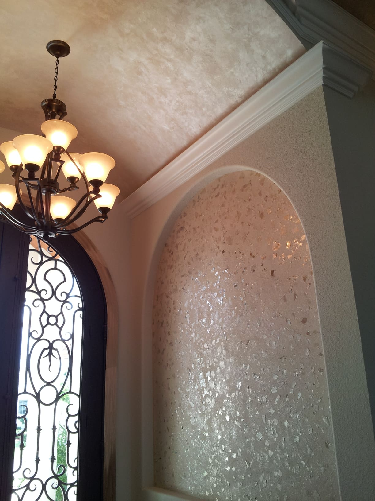 Mica Niche and Pearl plaster ceiling