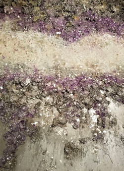 Purple Mica walls with glass veining