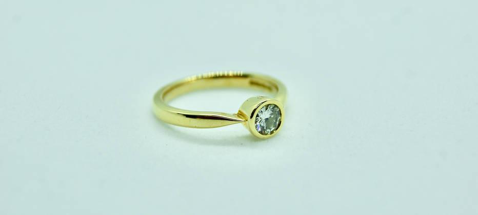 18ct Gold and Diamond