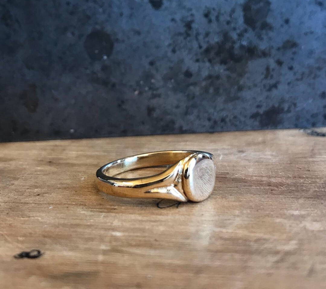 22ct Gold Signet ring